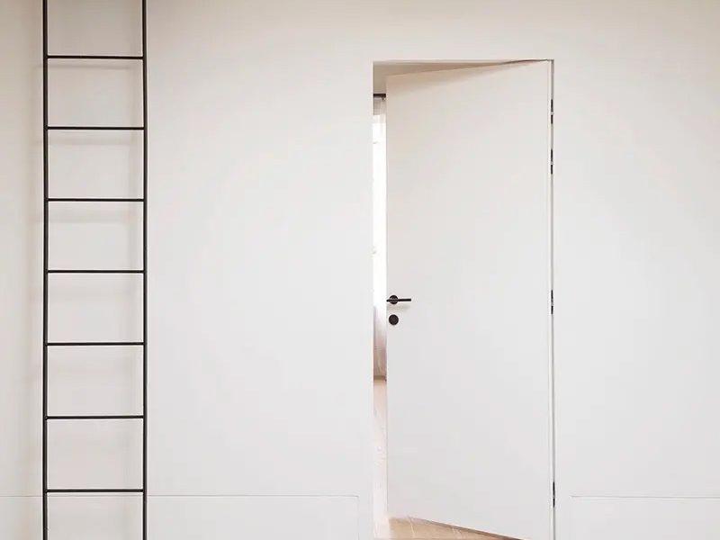 suite-white-800_crop